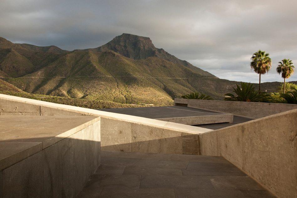 plaza-sacred-art-museum-adeje