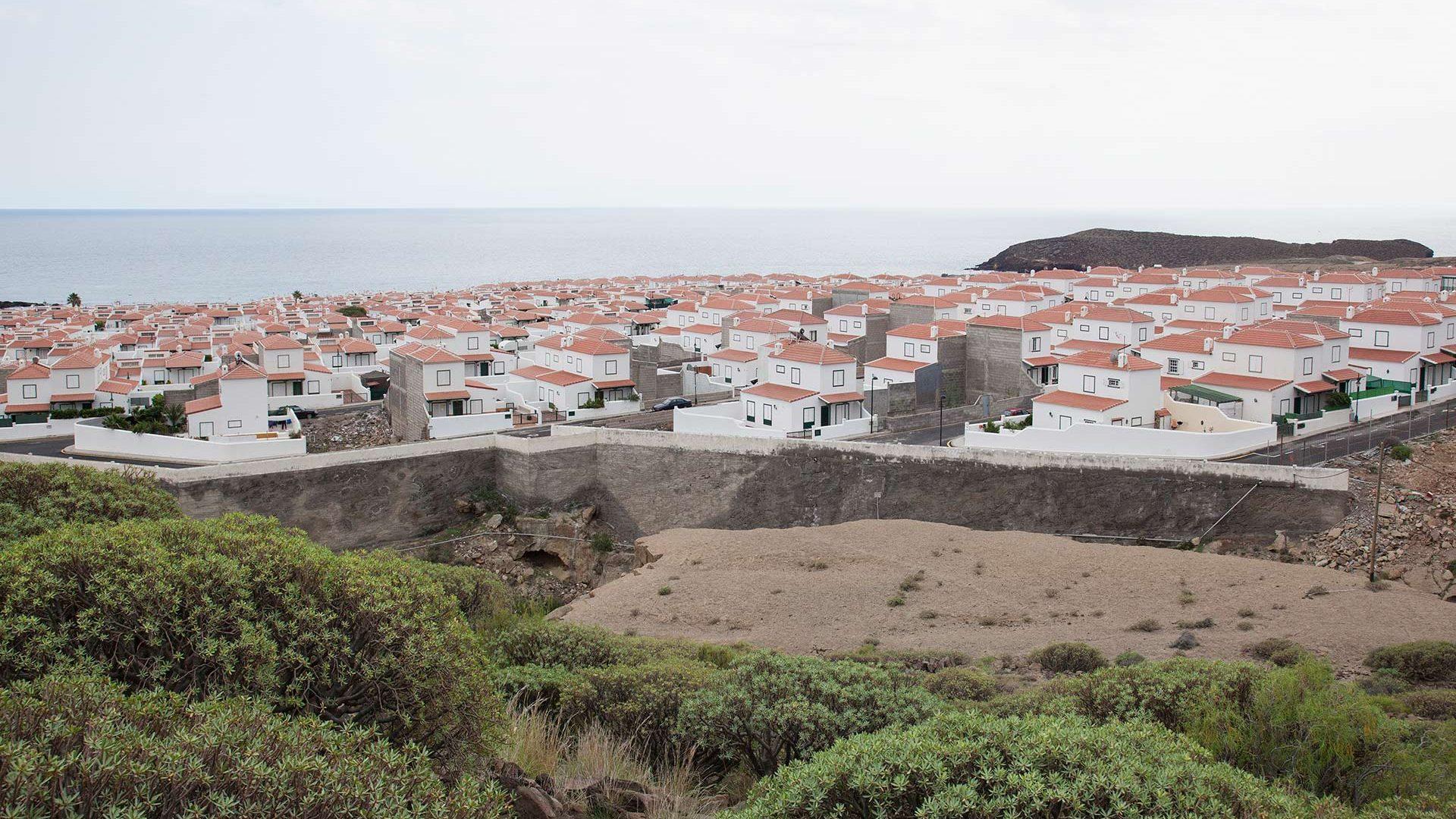 instant-village